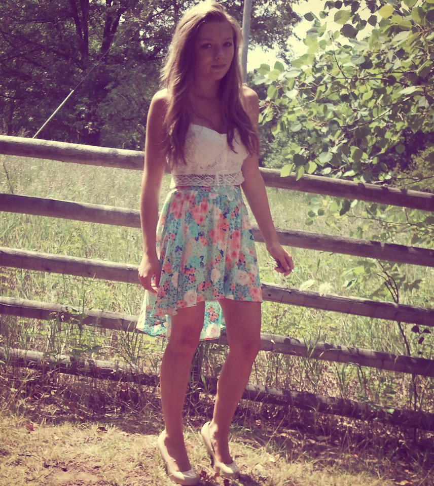 Hannah S. - Candies Floral Skirt, Ae Crop Top, Forever 21