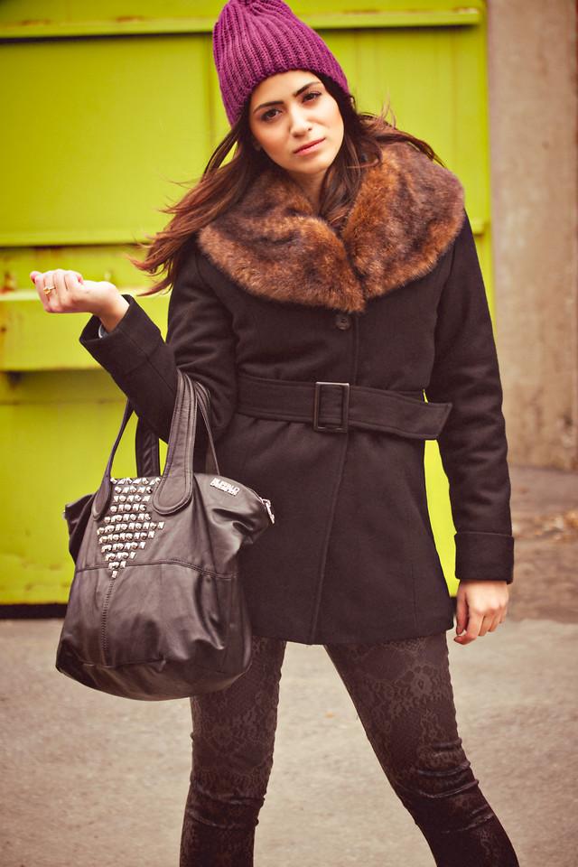Liana Carbone - Vans Tuque, Buffalo David Bitton Noella Coat ...