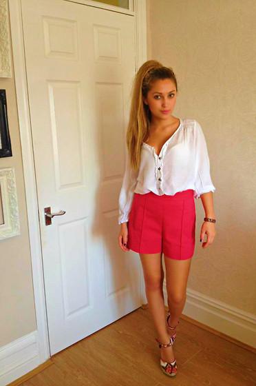 pink shorts look