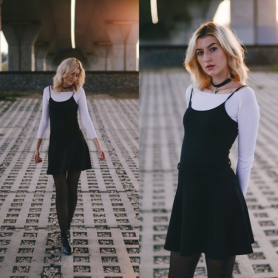 research 90s black and white dress