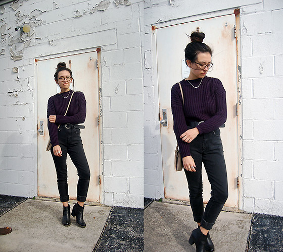 Sheila , Zaful Navy Sweater, Vintage Black Mom Jeans, Clarks