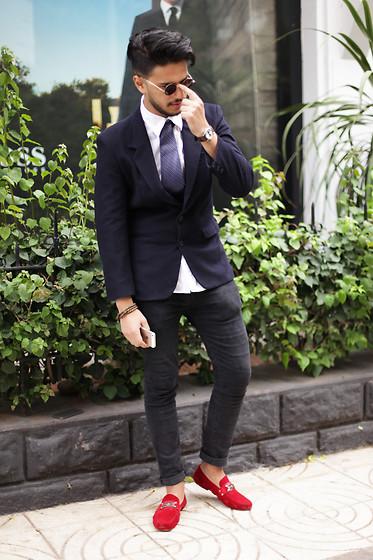 Jones Benta , Apple Iphone 5s Gold, Topshop Red Shoes