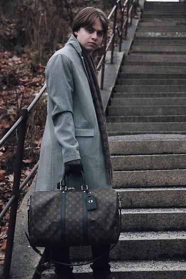 Tomas R , Louis Vuitton Keepall 45 Bandoulière, Topman Grey