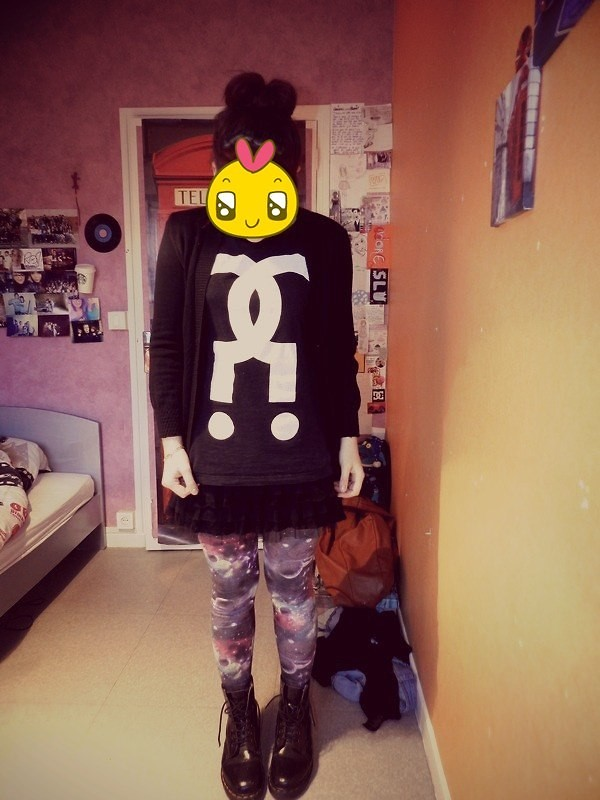 Manon A Outer Space Girl Lookbook
