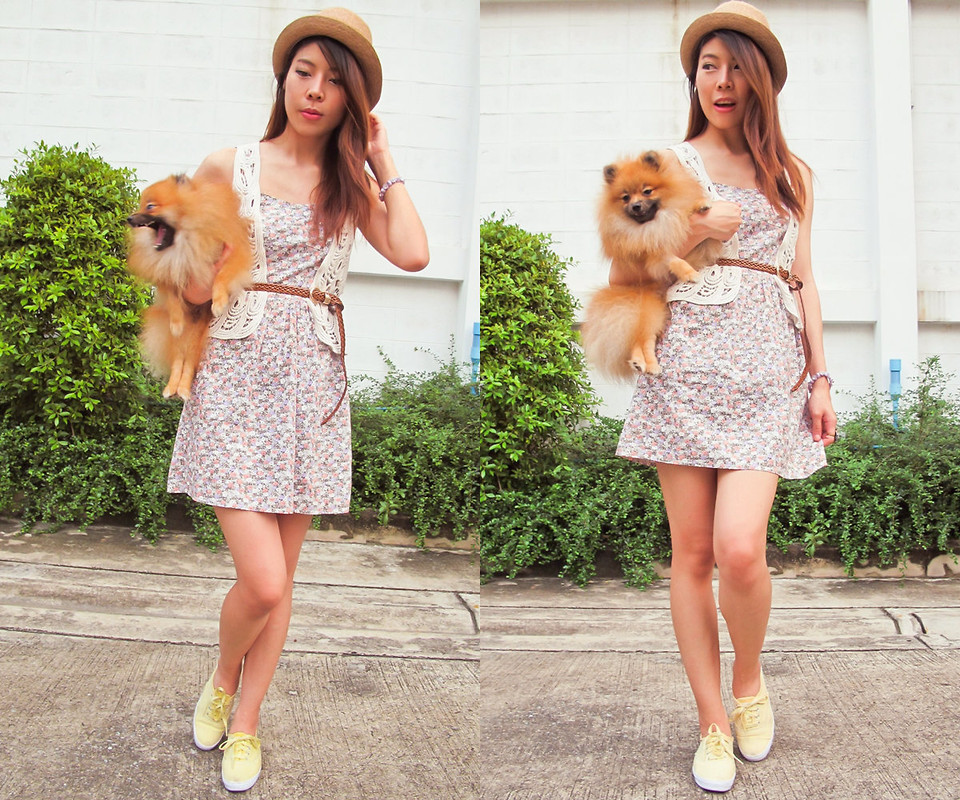 B @Style Voyage - Keds Yellow Sneakers