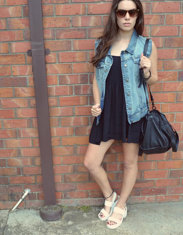 Lipstick White Sandals, Minkpink Black
