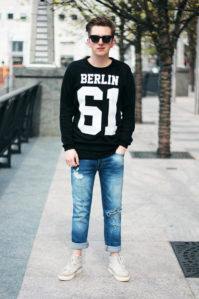 Rolandas Lušinskis New Yorker Sweater, New Yorker Jeans