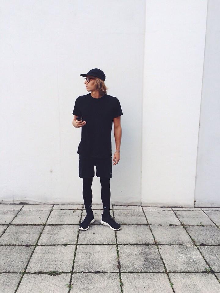 Richy Koll Nike Roshe Run, Nike Socks, Nike Underwear