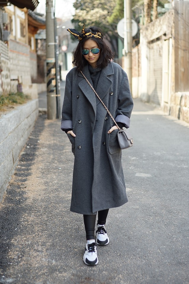 Fashionista NOW: 10 Grey Coat Layering Style Ideas From Street Fashion Bloggers
