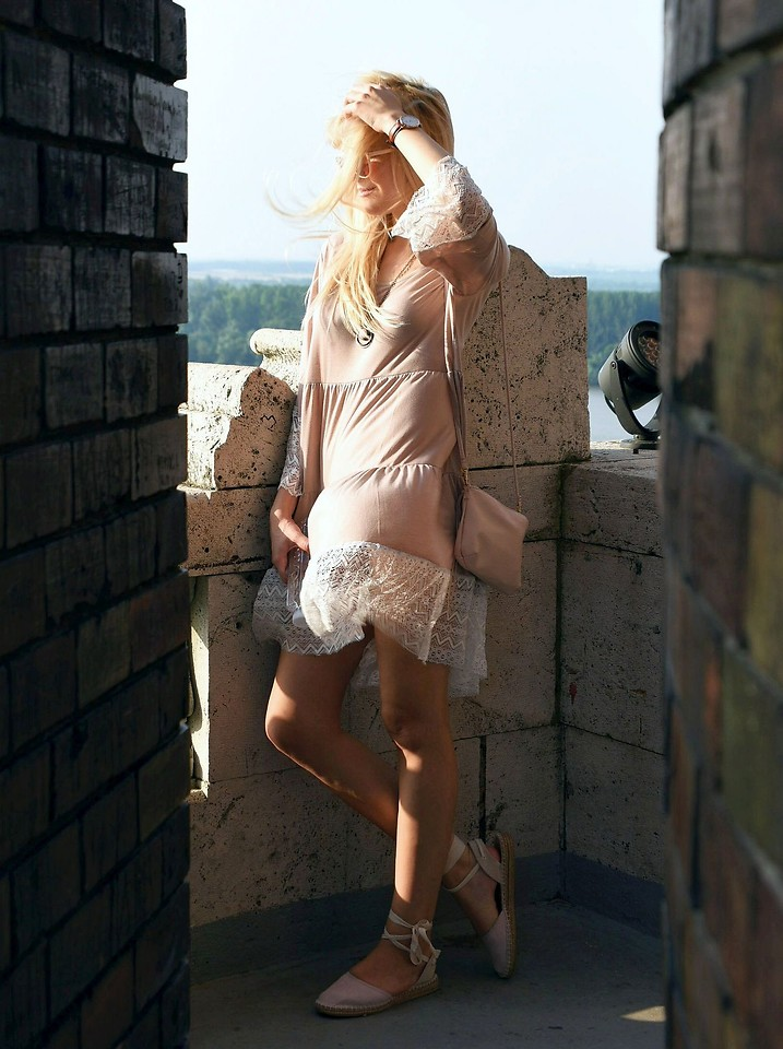 tijana j d daniel wellington watch cn direct pastel pink dress h m pastel pink bag primark pastel pink espadrilles belgrade serbia lookbook tijana j d daniel wellington watch cn direct pastel pink dress h m pastel pink bag primark pastel pink espadrilles belgrade serbia lookbook