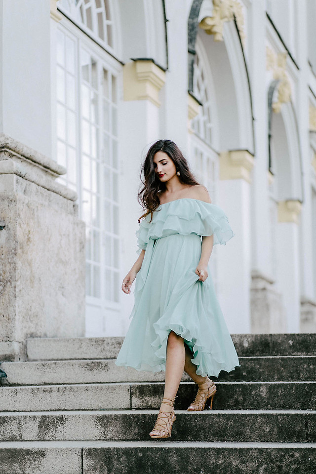 Fashionista NOW: 10 GORGEOUS Green Party Dress Style Ideas From Style Bloggers