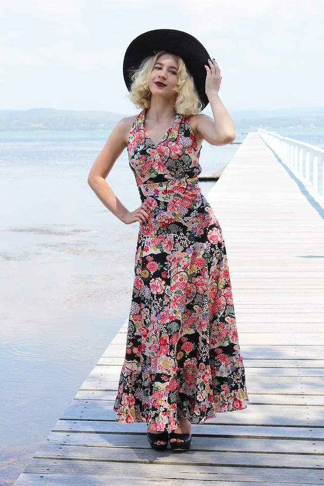 Fashionista NOW: 7 Ways Bloggers Slay The Dark Floral Print Fashion Trend