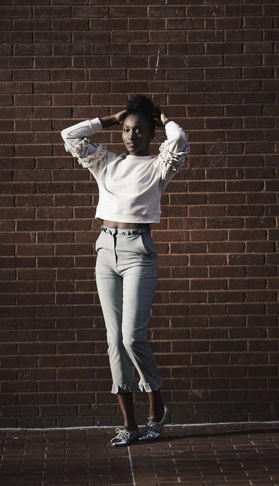 Fashionista NOW: Stylish Ways Bloggers Ease Cropped Style Pants Back Into The Fashion Scene