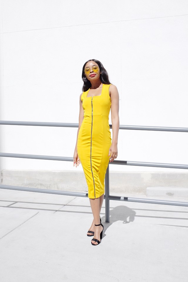 Fashionista NOW: How To Wear Bodycon Midi Dresses For Christmas 2017?