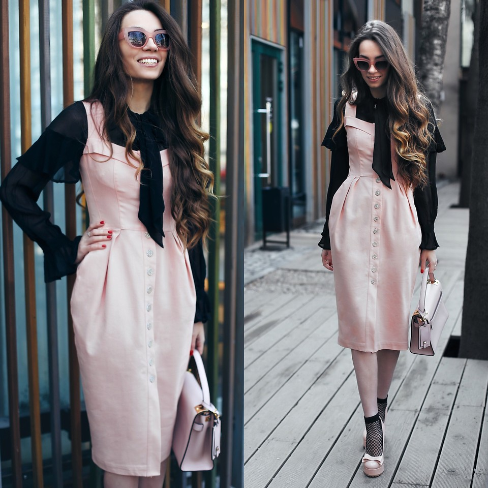 Fashionista NOW: How To Wear That Earthy PINK?