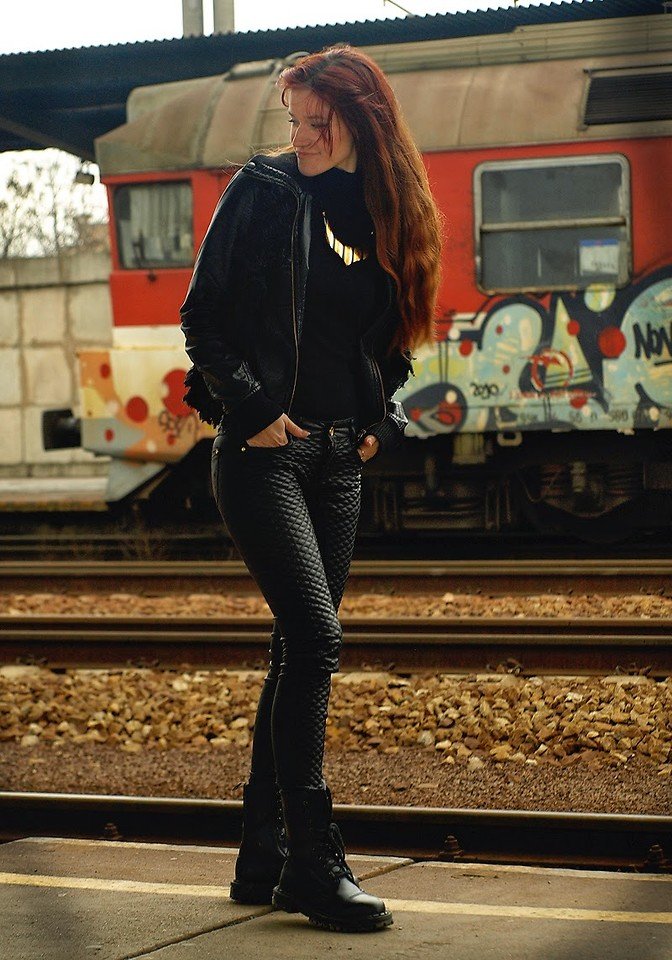 Fashionista NOW: Cozy All Black Darkness Outfit Style Ideas