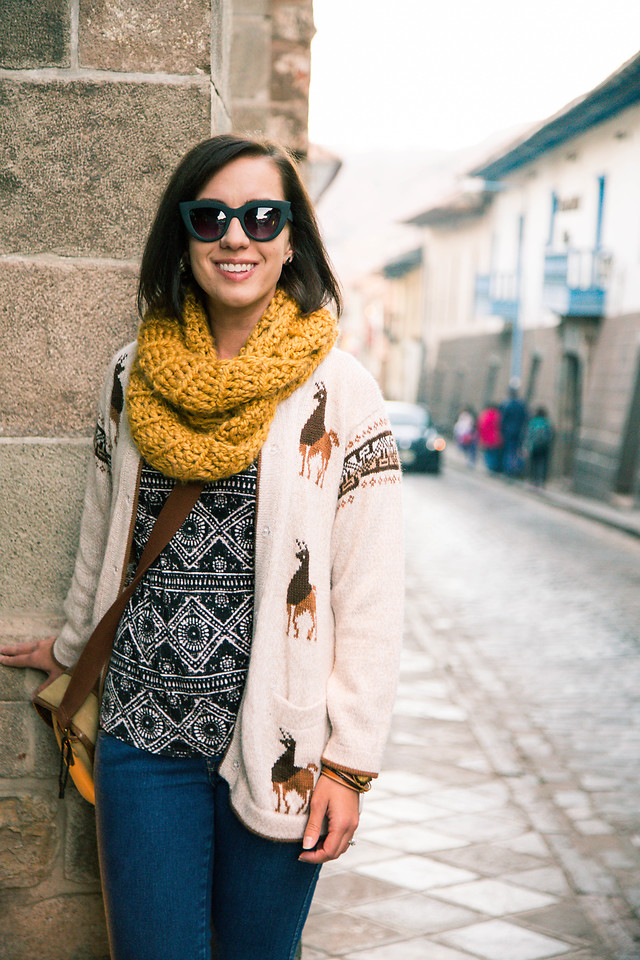 Fashionista NOW: How To Wear Scarfs As A Fashion Statement?