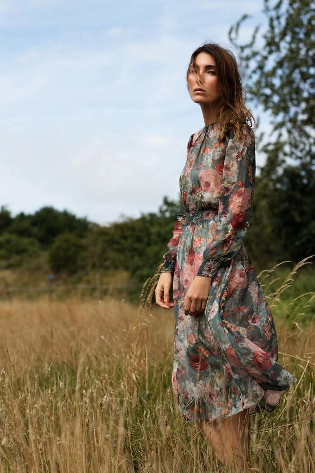 Fashionista NOW: Long Floral Dress Style Ideas For A Broody Party OOTD