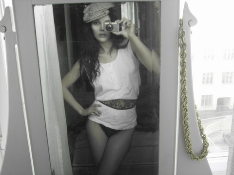 Juillian Falaraki - Vintage Kangol Hat, Free From The Recycling Center Cotton Top, 2nd Hand Flowery Belt, From Swanzy F.'S Web Store Rope Chain - So we're going to the beach, right?