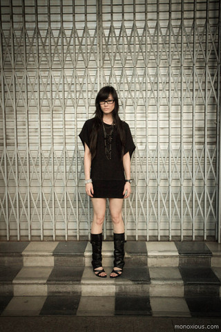 Arissa .H - Silence And Noise Dress, Esperenza Open Toe Boots, M)Phosis Chain Necklace - Dear God, save me from this heat