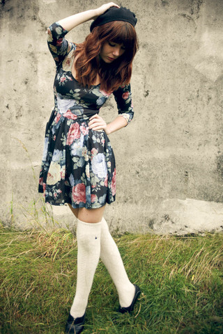 Amelia Sinnott - Topshop Vintage Flower Print Dress, Primark Beret, Jack Wills Cream Over Knee Socks, Asos Black Chunky Heels - Lift me up and take me out of here
