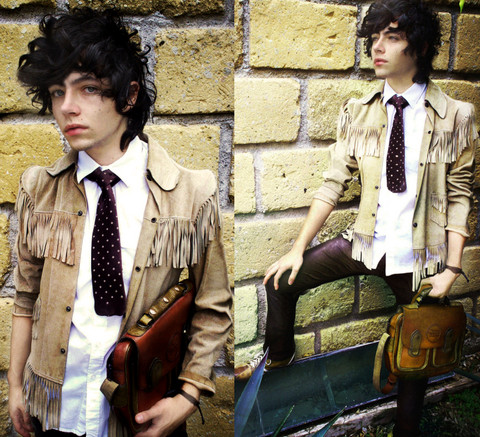 DIEGO DOM - Dys Jacket, Topshop Shirt, Diesel Tie, H&M Pants, 2nd Hand Bag, 60 Shoes - Donde esta mi campana rota?