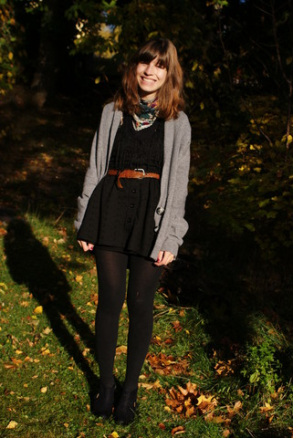 Elinor - Zara Cardigan, H&M Shoes, Indiska Dress, Indiska Scarf - Autumn?