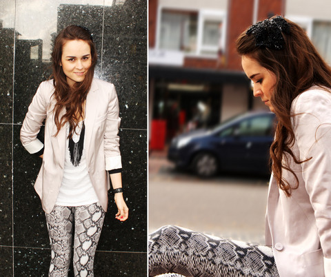 Andy T. - Vero Moda Snake Leggings, Diy Head Pin, H&M Blazer, Diy Fringe Necklace - YOU ARE A SNAKE