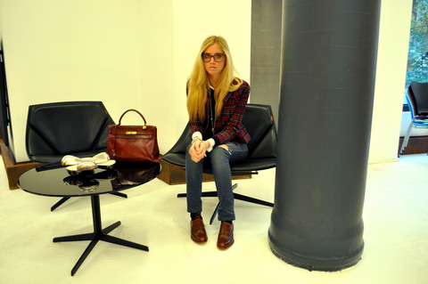 Chiara Ferragni - Vintage Jacket, Miss Sixty Jeans, Dandy Brown Shoes, My Grandad's Glasses, Hermës Hermes Kelly Bag, Brooks Brothers White Shirt - Nerd, me?