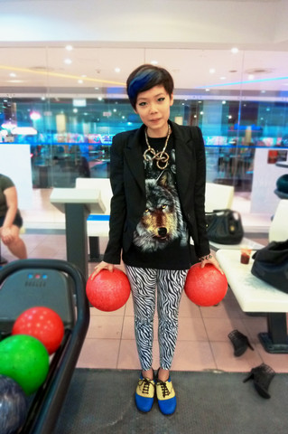 Grace Sunami - Ash Footwear Blue Hair, Wolf Oversized Tee, Gift From My Friend Zebra Print Leggings, Bowling Shoes, The Lightest Bowling Balls In The Place, Scarlet Room Power Shoulders Girl Blazer - Today i learnt that i'm not very good at bowling