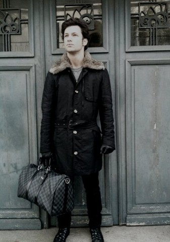 Guillaume RAUX - Diesel Trench, Raf Simons Black, Raf Simons Vandal, Louis Vuitton Keepall 45 Damier Graphite, Collection PrivéE ? Black, Marc By Jacobs Grey Tee - Monsieur