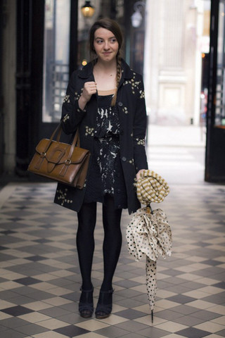 Eleonore Bridge - Gap Flowers, Topshop Dotted Umbrella, Vintage Bag, Miss Selfridges Jumpsuit With Birds - Paris - Passage Jouffroy