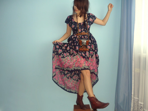 Veronika B - Second Hand Flower Power Maxi Dress, Vintage Shoes - Flower power