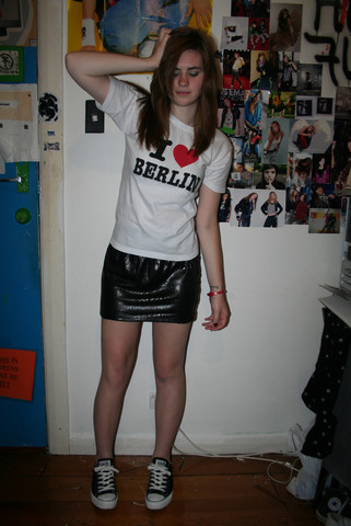 Natascha C - Store In Berlin I ♥ Tshirt,, Jayjays Sequin Skirt, Converse, Armband From My Hotel In Munich - You`re not the answer i should know