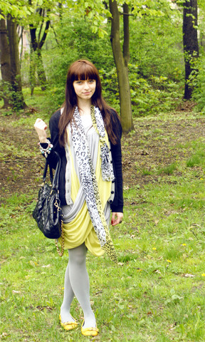 Martyna Janus - Troll Scarf, Atmosphere Dress, Bag Via Allegro - Waterfall.
