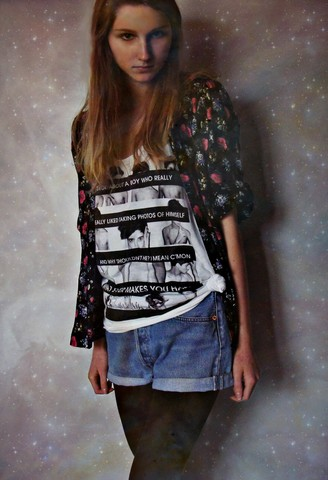 Iris M. - Levi's® Shorts, H&M Shirt - Galaxxxxy
