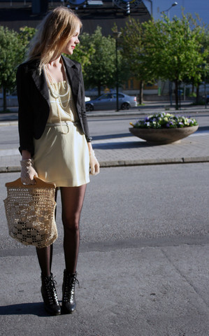 Maria B - Din Sko Shoes, Second Hand Bag, Beyond Retro Gloves, Second Hand Blazer, Home Made Dress - You can't steal a gift.