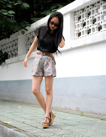 Meijia S - H&M Heart Shape Blouse, Local Store Flower Printed Shorts, H&M Camel Belt, Online Camel Wedge - New shorts