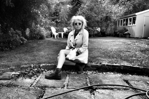 Ulrica Vilen-Letts - Charity Shop Ozzy, Le Redoute Trench, Clarks Chelsea Bootas - Its time to go and i blame coco