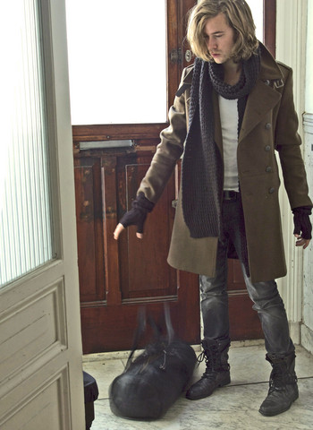 Kenneth Carson - H&M Scarf, Zara Army Coat, H&M Skinny Jeans, H&M Open Gloves, River Island Army Boots, Zara Bag Tube - Autumn's here