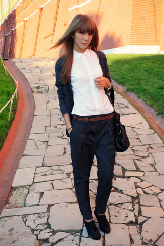 Lily P. - Zara Pants, Accessorize Bag, Topshop Shirt, Uniqlo Cardigan - I love Moscow