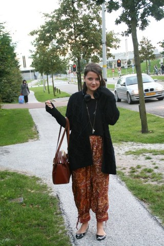 Annabel V. - Bally Vintage Bag, Hare Harem Pants, Cos Cardigan, H&M Crop Top, Steve Madden Flats - Chaos is a friend of mine.