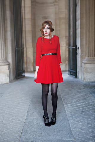 Louise Ebel - Zara Dress, Christian Louboutin Shoes, Tand3m Headband - Louvre