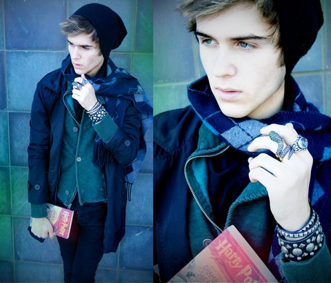Adam Gallagher - Bcbg Studded Snake Ring, Metropark Studded Braclets, Chamber Of Secrets Book - The Chamber of Secrets