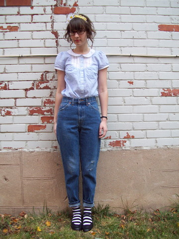 Isabel Slone - Diy Floral Headband, H&M Peter Pan Collar Blouse, Levi's® Mom Jeans, Thrifted Character Shoes - Cut from the Cloth