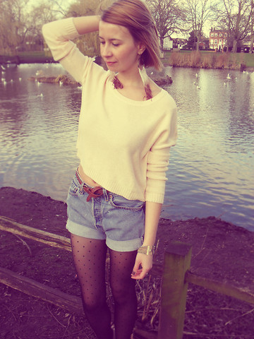 Cassia * - H&M Sweater, Topshop Earings, Levi's® Shorts - I found a way to get lost in you.
