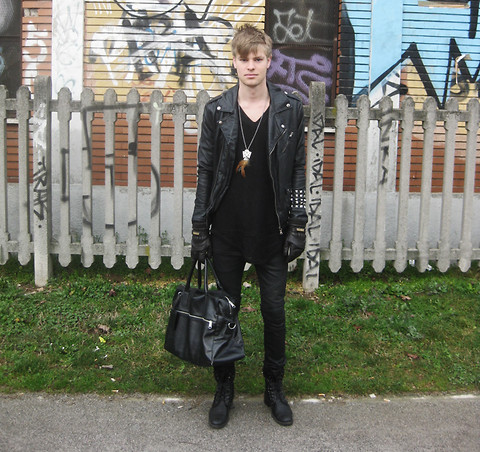 Fredric Johansson - Zara Custom Studded Jacket, Asos Mesh Shirt, H&M Snakeskin Bag, Virginblak Studded Checker Combat Boots, Lars Wallin Gloves, Virginblak Slim Biker Jeans - Featherish