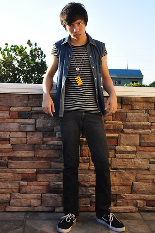 James Jason Martin - Denim Blues Sleeveless Ed Polo, Topman Black/Gray Striped Shirt, Ate Ikat Gallardo I ♥ Lsdc Street Crown Necklace, Freestyle Necklaces Ftw (For The Win) Necklace, Folded&Hung Stretch Black Denim Jeans, Artwork Black Boat Shoes - Mad Denim