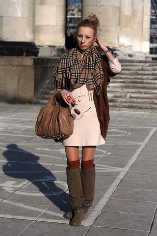 Caroline G - Burberry Scarf, New Look Jumper, H&M Retro Dress - In the music deep swing