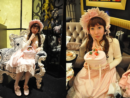 Zairai Chen - Angelic Pretty Bow, Jesus Diamante Cardigan, Baby The Stars Shine Bright Strawberry Cake Bag, Jesus Diamante Marie Antoinette Op アントワーヌワンピ, Anna Sui White Rose Tights, Catherine Cottage Pink Ribbon Shoes - LOLITA Birthday Party